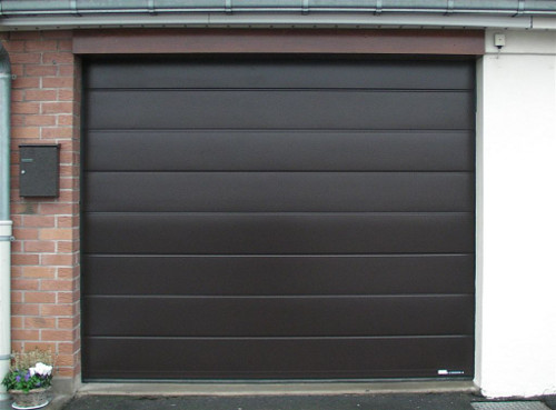 Porte de garage sectionnelle villa - Porte de garage sectionnelle gris anthracite ...